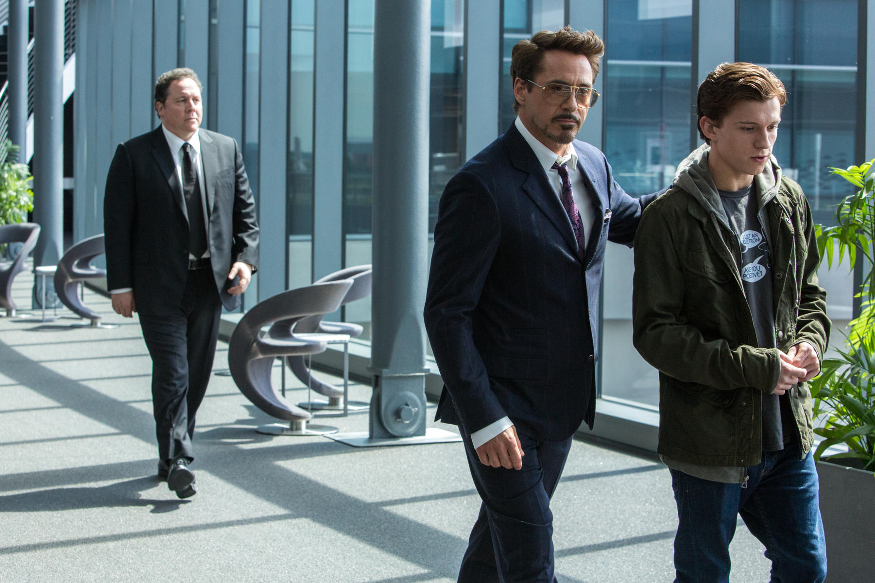 spider-man-homecoming-mit-robert-downey-jr-jon-favreau-und-tom-holland