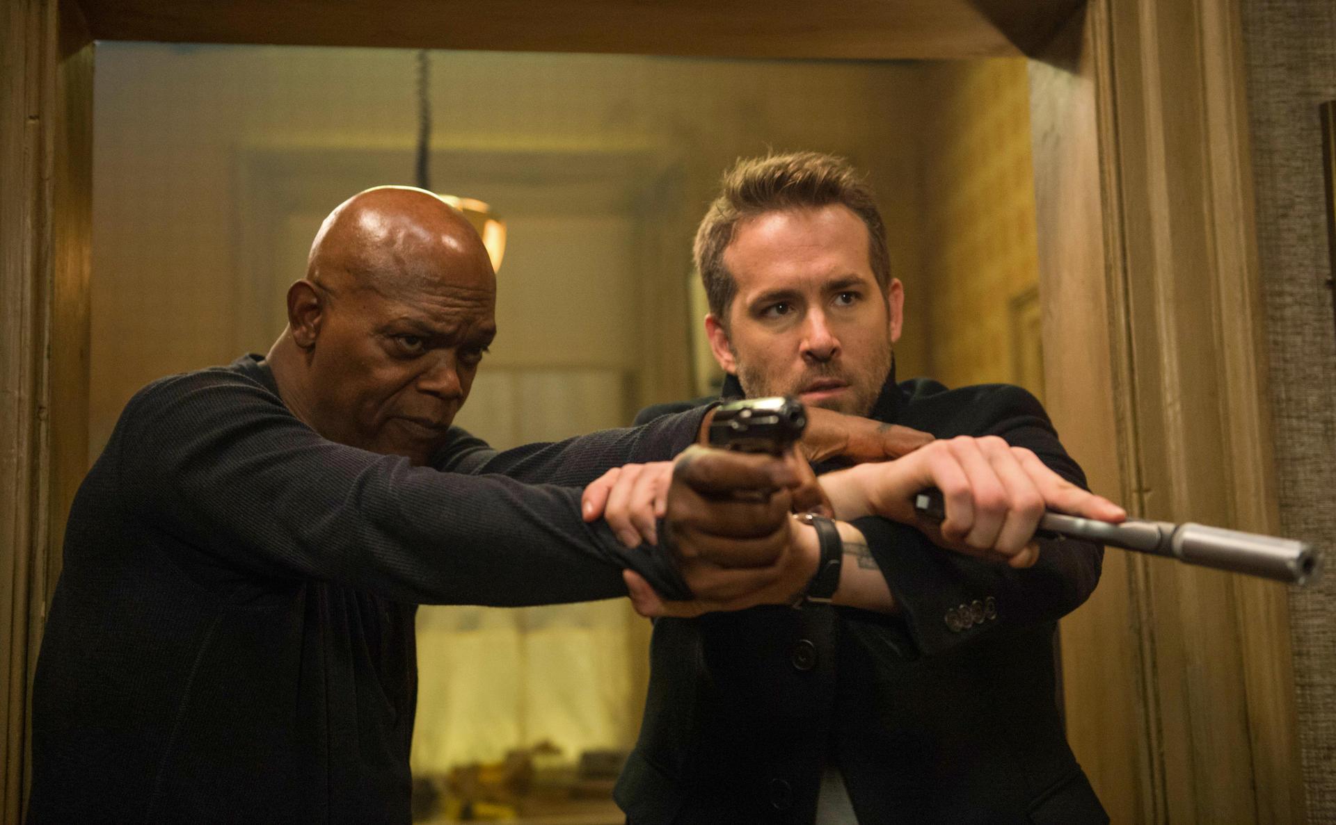 killer-s-bodyguard-mit-samuel-l-jackson-und-ryan-reynolds (1)