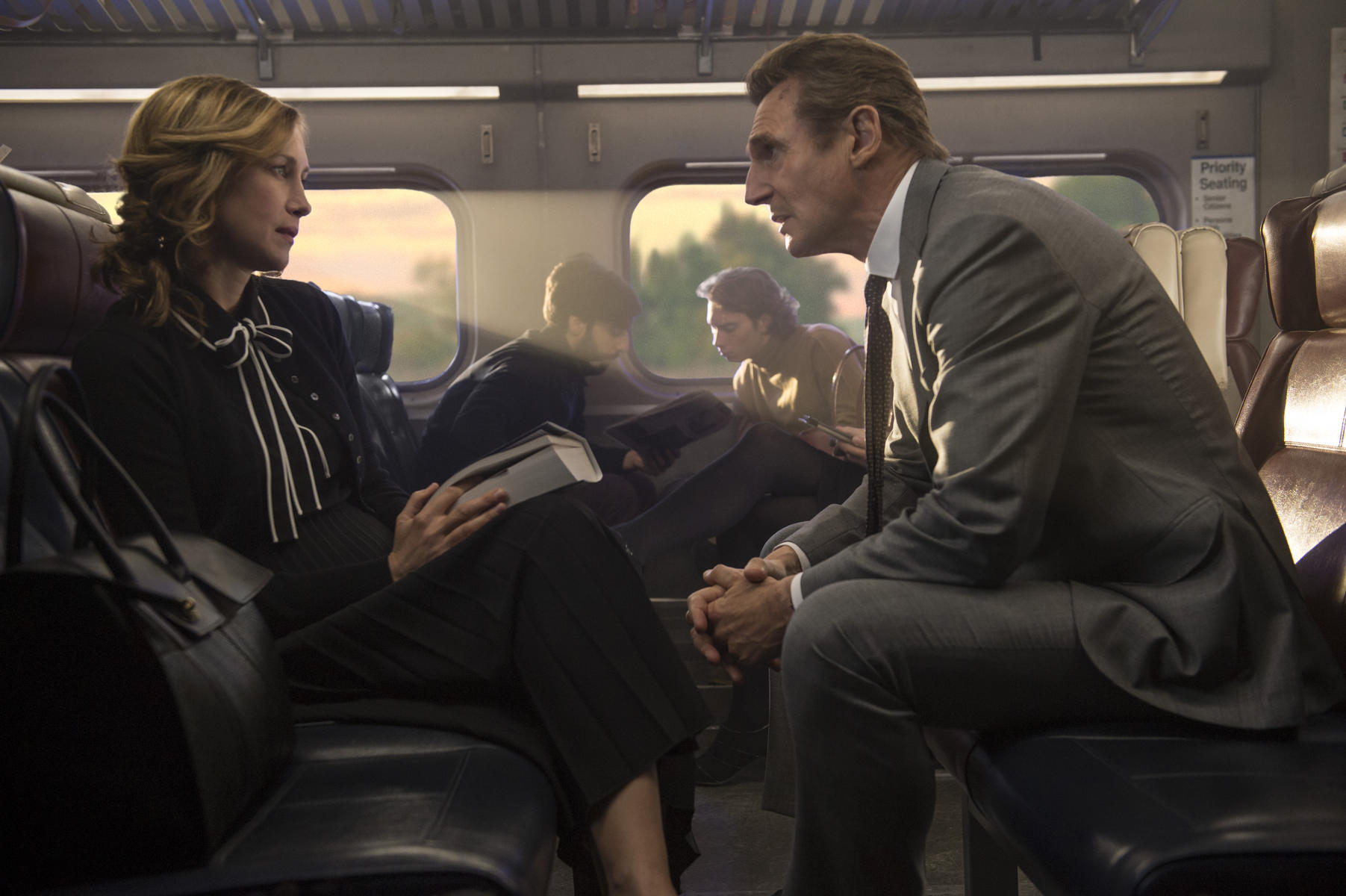 the-commuter-mit-liam-neeson-und-vera-farmiga