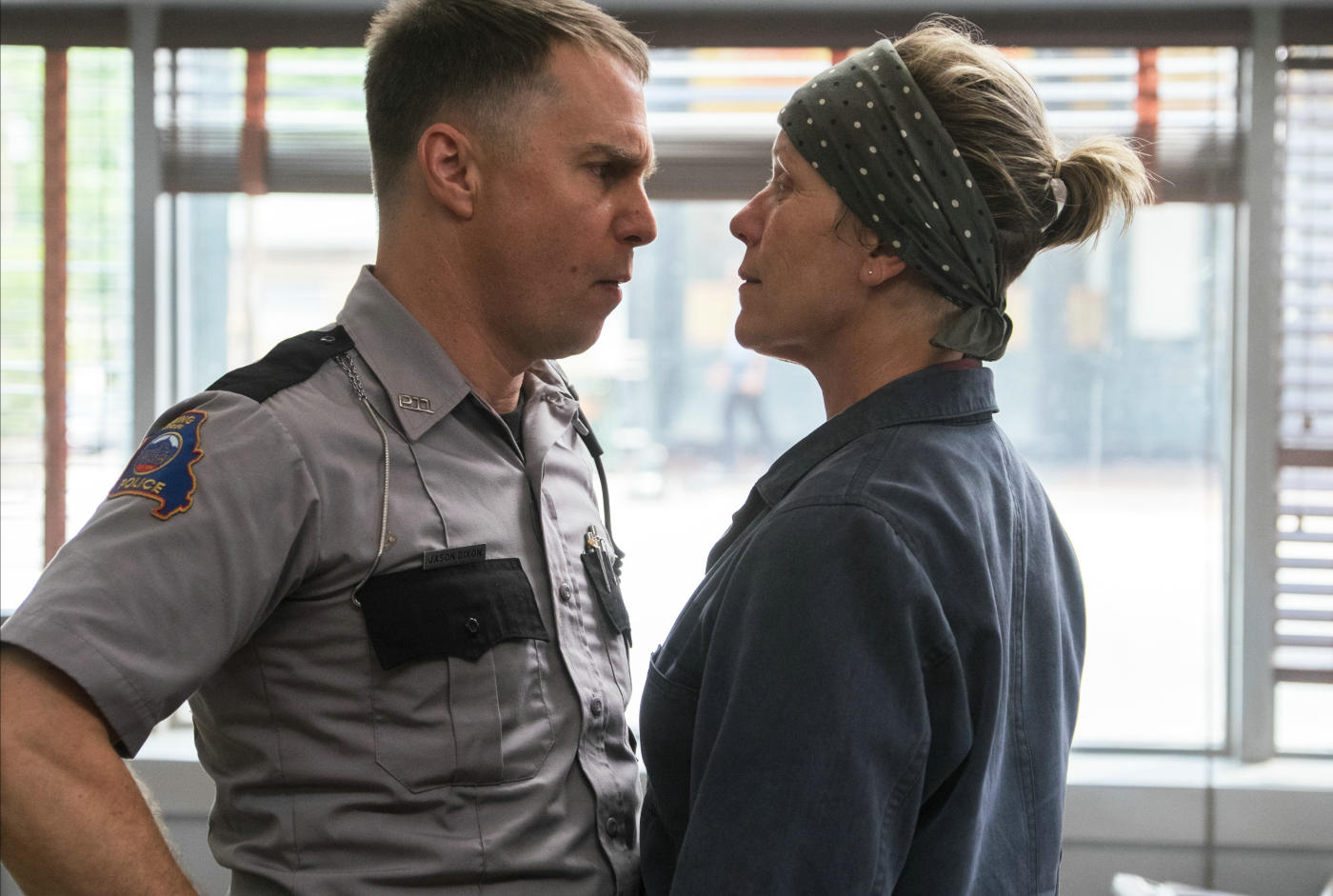 three-billboards-outside-ebbing-missouri-mit-sam-rockwell-und-frances-mcdormand