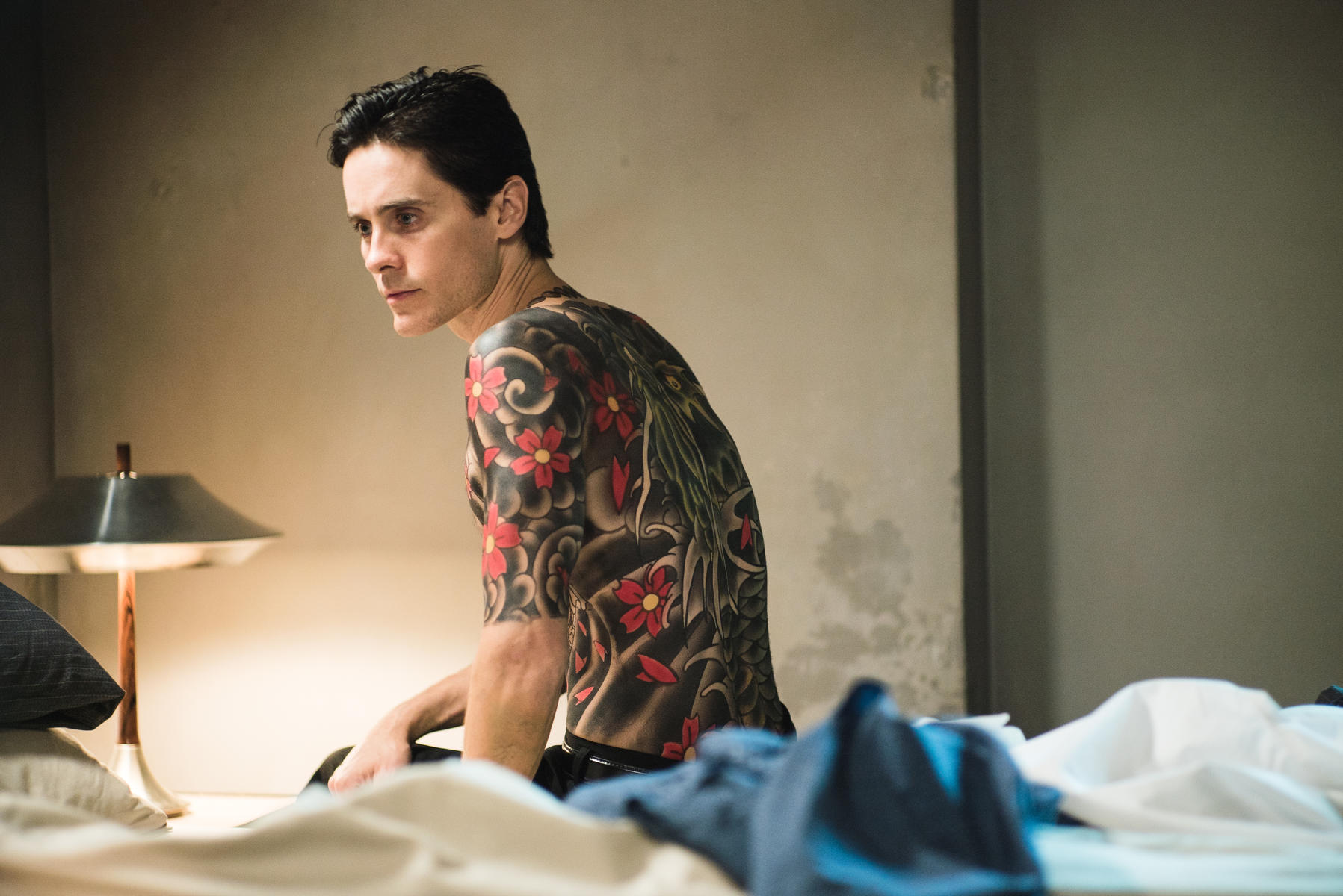 the-outsider-mit-jared-leto (2)