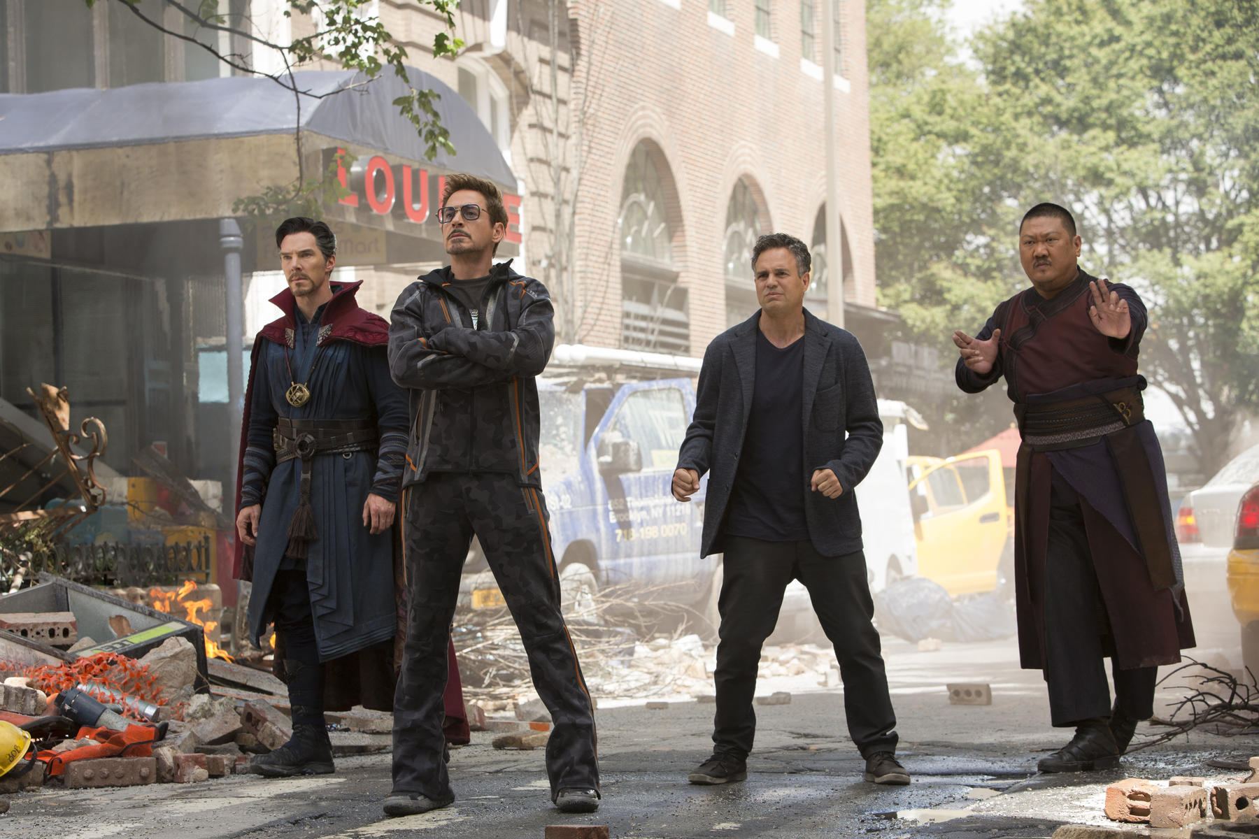 avengers-3-infinity-war-mit-robert-downey-jr-benedict-cumberbatch-mark-ruffalo-und-benedict-wong