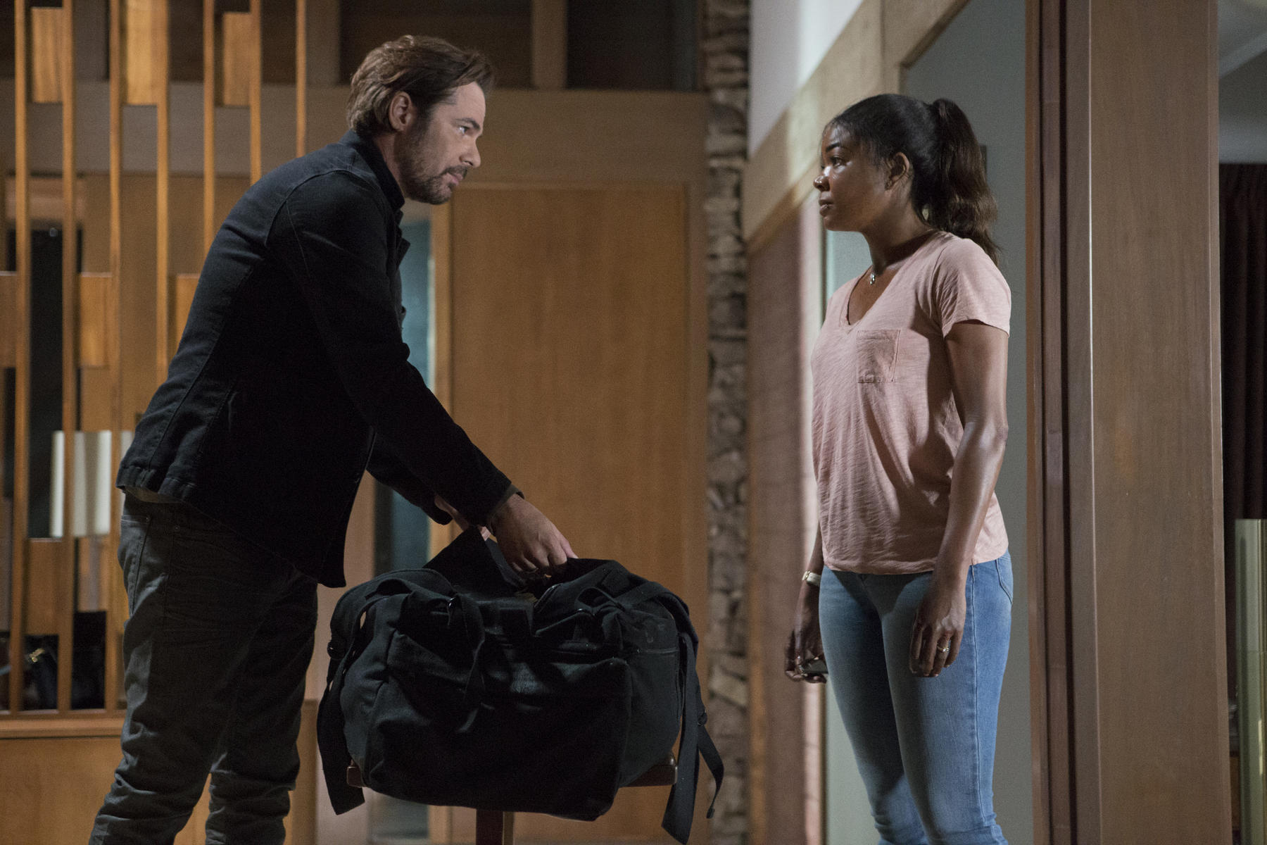 breaking-in-mit-billy-burke-und-gabrielle-union